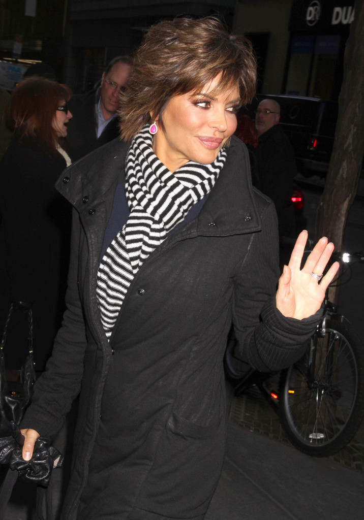 Lisa Rinna Photos Photos Lisa Rinna At The Today Show In New York
