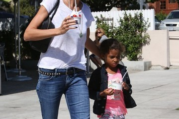 Lou Samuel Heidi Klum Taking Her Kids Out For Froyo