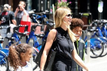 Lou Samuel Heidi Klum Steps Out in NYC With Children and Friends