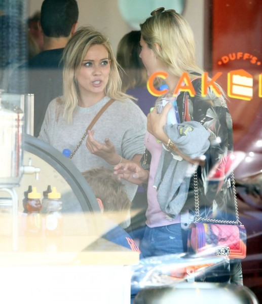 Cake Decorating West Hollywood : Luca Comrie Photos - Hilary Duff Stops by Duff s Cake Mix ...