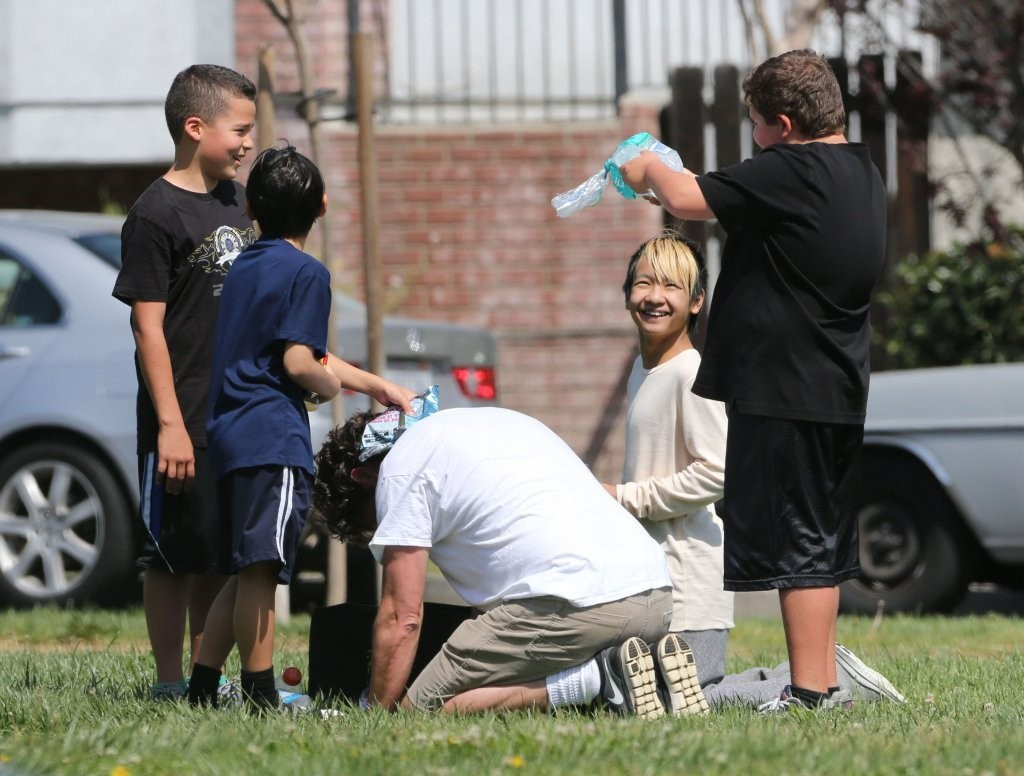 maddox and pax jolie pitt - photo #20