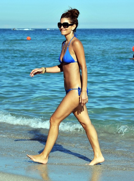 Maria Menounos - Maria Menounos Taking A Dip In Miami