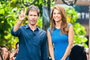 Maria Menounos Eric McCormack Celebs Drops by the 'Extra' Set