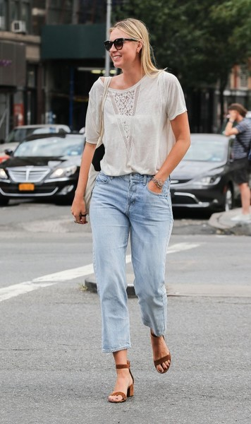 Maria Sharapova Heads Out and About in NYC
