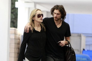 Martin Mica Sharon Stone Stops By An Office In Beverly Hills