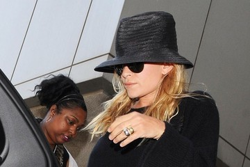 Mary-Kate Olsen The Olsen Twins Catch a Flight