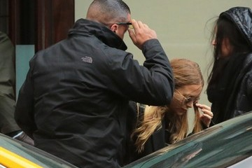 Mary-Kate Olsen Olsen Twins Keep a Low Profile in NYC