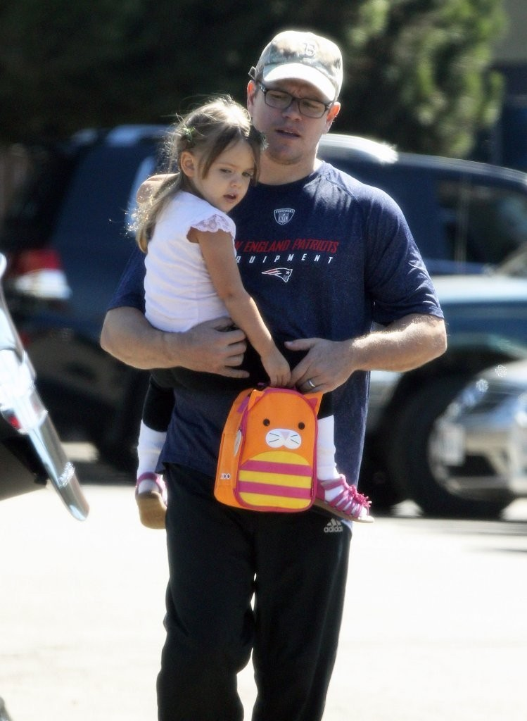 Matt Damon Daughters Matt Damon Out Daughter Stella
