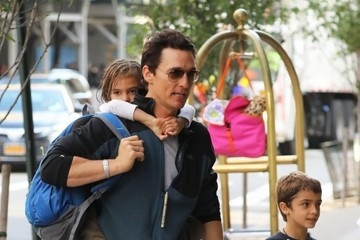 Matthew McConaughey Levi Mcconaughey Matthew McConaughey Out In NYC With His Family