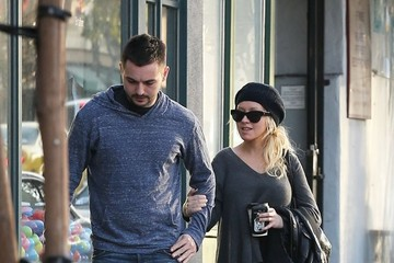 Matthew Rutler Christina Aguilera and Matthew Rutler Go Shopping