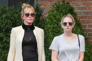 Melanie Griffith and Daughter Stella Waiting For a Cab