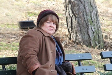 Melissa McCarthy Melissa McCarthy Shoots 'Can You Ever Forgive Me?' in Central Park
