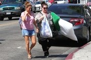 Melissa McCarthy Shops In The Fashion District