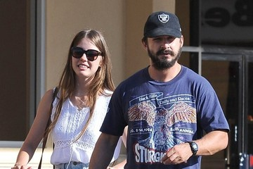 Mia Goth Shia LaBeouf & Mia Goth Grocery Shopping At Gelson's Market