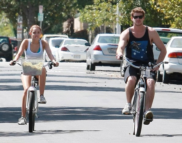 liam hemsworth and miley cyrus. Liam Hemsworth Miley Cyrus and