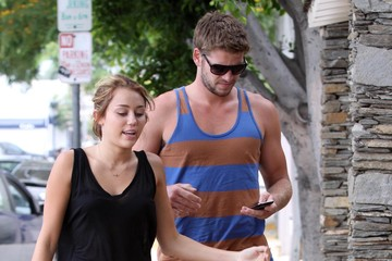 Miley Cyrus Liam Hemsworth Miley Cyrus And Liam Hemsworth Going To The Gym