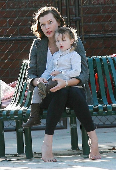 http://www2.pictures.zimbio.com/fp/Milla%20Jovovich%20Daughter%20Ever%20Out%20Park%20zIgnKZV9ybyl.jpg