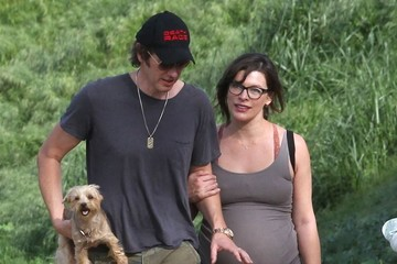 Milla Jovovich Pregnant Milla Jovovich Enjoys A Hike With Her Husband