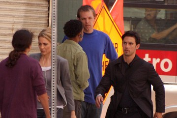 Deanne Bray Milo Ventimiglia On The Set Of 'Heroes' 2