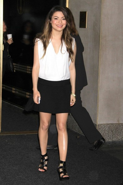 Miranda Cosgrove - Miranda Cosgrove Visits 'The Today Show'