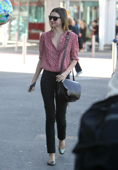 http://www2.pictures.zimbio.com/fp/Miranda+Kerr+Arrives+Sydney+David+Jones+Commitments+ajw8ZdMs9JCl.jpg