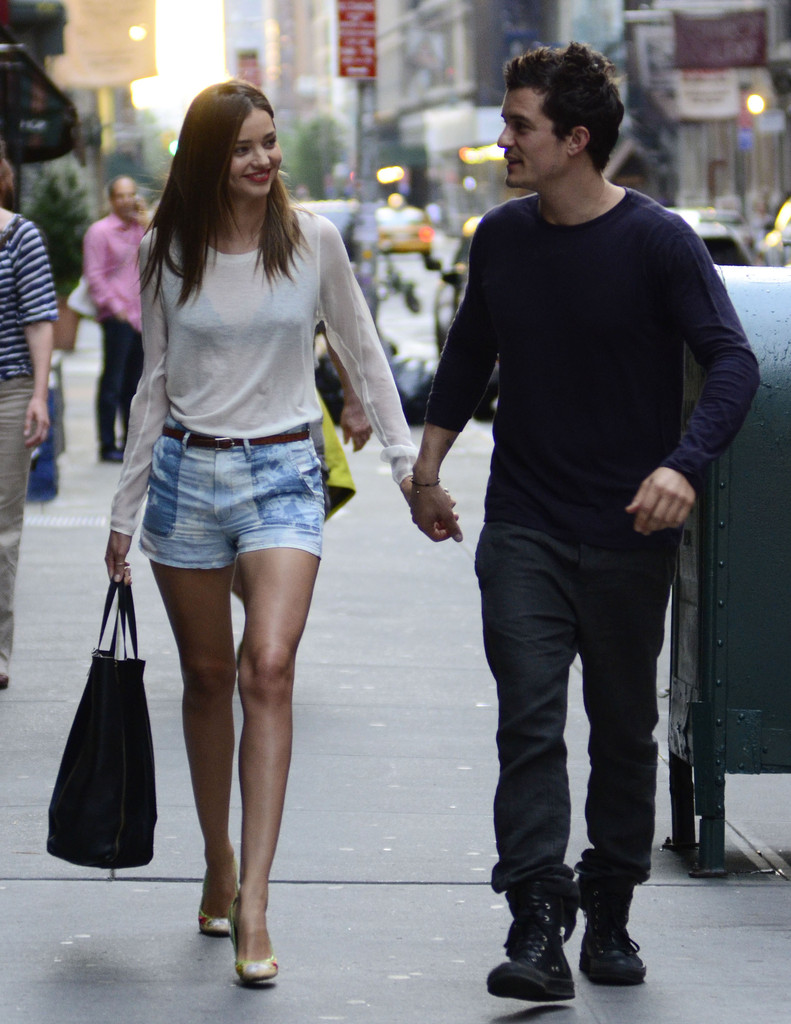 ?Pirates of the Caribbean? actor Orlando Bloom and his model wife Miranda Kerr took a stroll through the streets of New York City, New York on June 25, 2012 hand in hand.