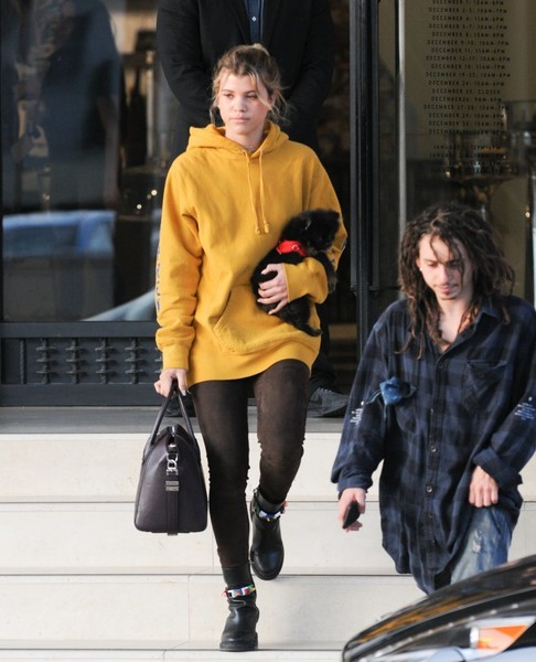 Moises Arias and Sofia Richie Photos Photos - Sofia Richie ...