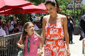 Brooke Burke Neriah Fisher Mommy Daughter Time For Brooke Burke And Daughter While Promoting Ice Cream