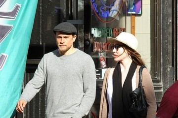 Morgana McNelis Charlie Hunnam and Morgana McNelis Go for a Walk in NYC