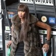 https://www2.pictures.zimbio.com/fp/Naomi+Campbell+Wearing+Fur+90+Degree+Weather+xdSTa0SFpTyc.jpg