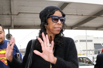 Natalie Cole Natalie Cole Touches Down at LAX