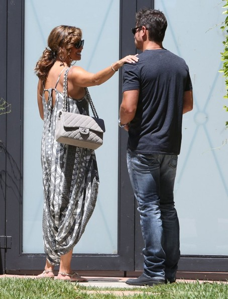 Nick Lachey - Pregnant Vanessa Minnillo & Nick Lachey Leaving A Private Doctors Office