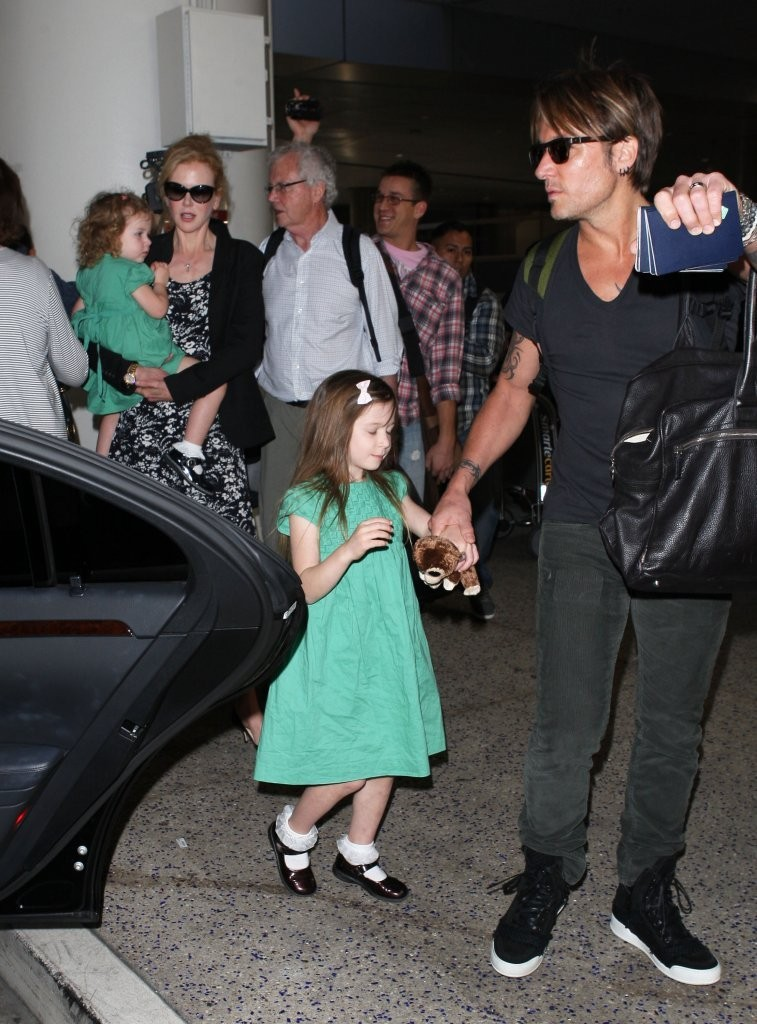 Keith Urban In Nicole Kidman And Family Arrive At Lax Zimbio