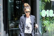 Nikki Reed Gets Her Nails Done