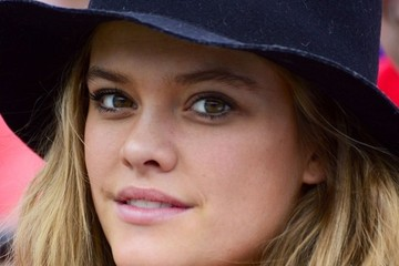 Nina Agdal Nina Agdal Watching The Sony Open Tennis Match