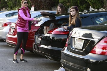 Olivia Giannulli Lori Loughlin Takes Her Daughters Grocery Shopping