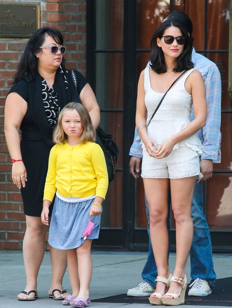 Olivia Munn in Olivia Munn Spotted with Her Family 3 of 12 ...