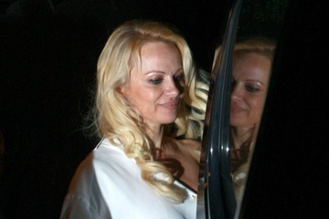 Pamela Anderson Pamela Anderson Dines Out at Spaghettini