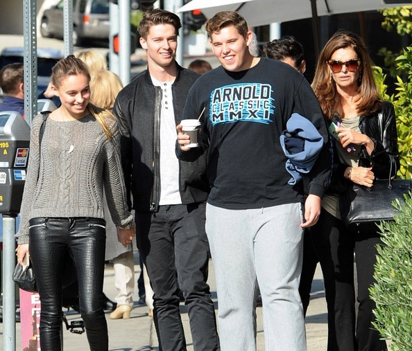 Maria Shriver and Her Sons Go Out to Eat