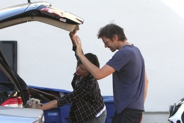 Paul W.S. Anderson Milla Jovovich Takes Her Dogs To The Vet