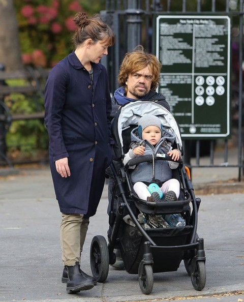 Peter Dinklage And Erica Schmidt Photos Photos Peter Dinklage And