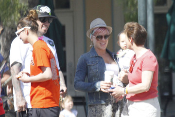 Carey Hart Pink And Carey Take Willow Out For Breakfast