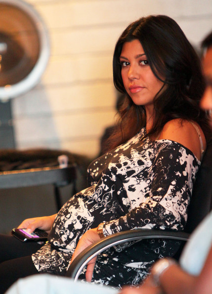 kourtney kardashian hair extensions. photos, Kourtney