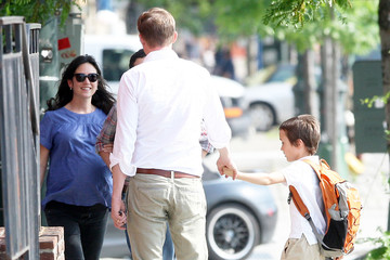 Kai Dugan Pregnant Actress Jennifer Connelly And Family Out In New York