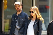 Pregnant Olivia Wilde & Jason Sudeikis Out For A Stroll In NYC