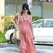 https://www2.pictures.zimbio.com/fp/Pregnant+Selma+Blair+Leaving+Medical+Building+j_wSpqs7O_Tc.jpg
