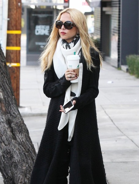 Rachel Zoe Stops by Starbucks