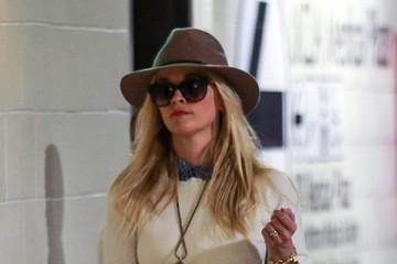 Reese Witherspoon Reese Witherspoon Visits a Medical Building with Her Son Deacon