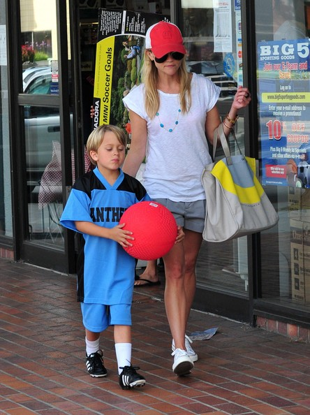 Actress Reese Witherspoon, her two kids Ava and Deacon and boyfriend Jim Toth out shopping for a soccer net at a sporting goods store in Brentwood, CA