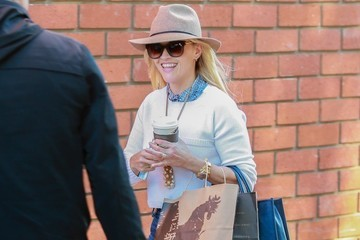 Reese Witherspoon Reese Witherspoon Gets Lunch at Toscana